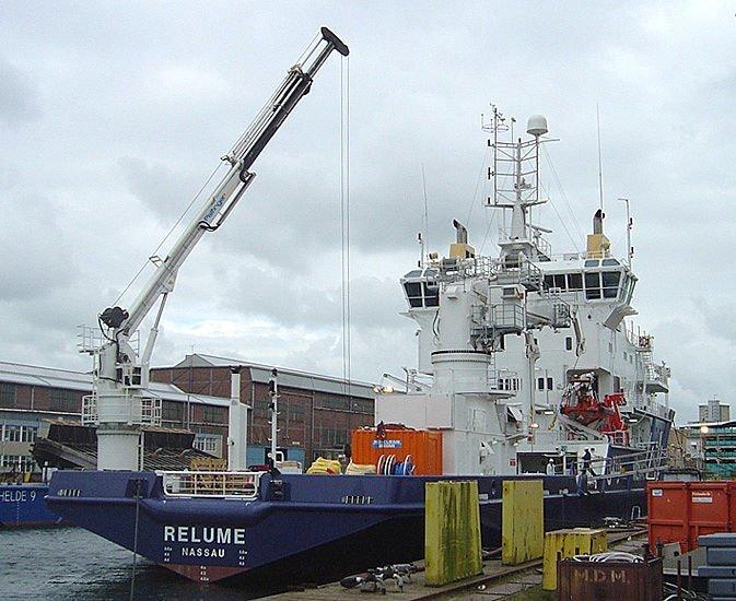 ship-deck-cranes-telescopic-cranes-ALat-berat-blog.jpg