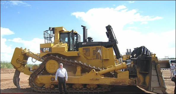 What Is The Biggest Dozer Cat Makes